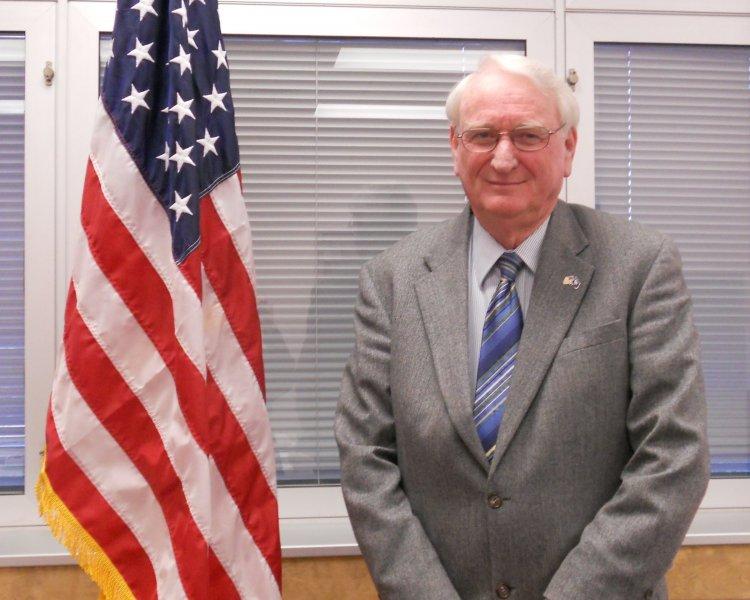 7 - Herbert Thompson Jr